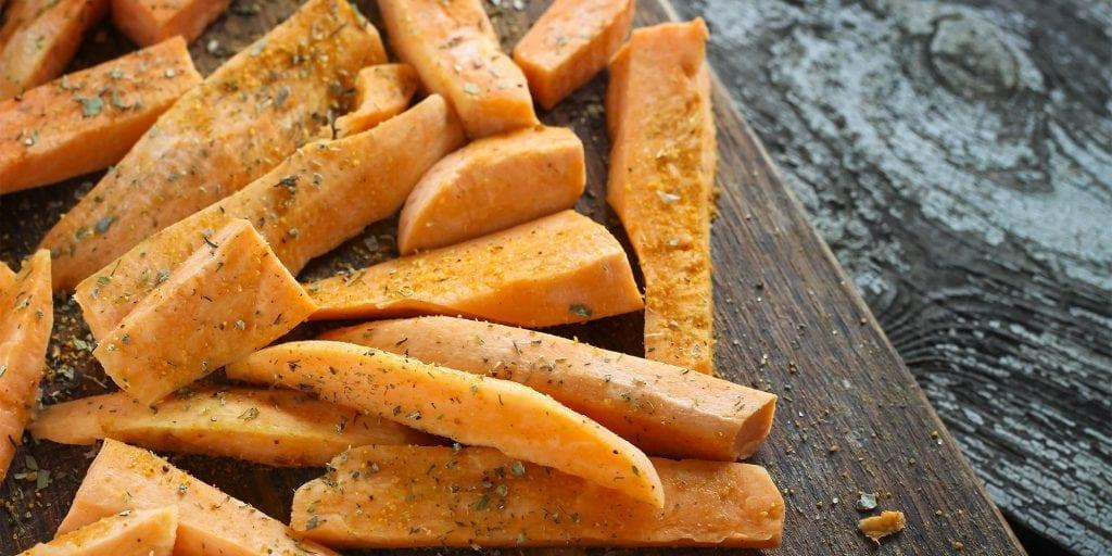 Met de zoete aardappel kan je ook patat maken.